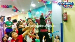 Anomaciones para cumpleaños infantiles con pompas de jabón gigantes